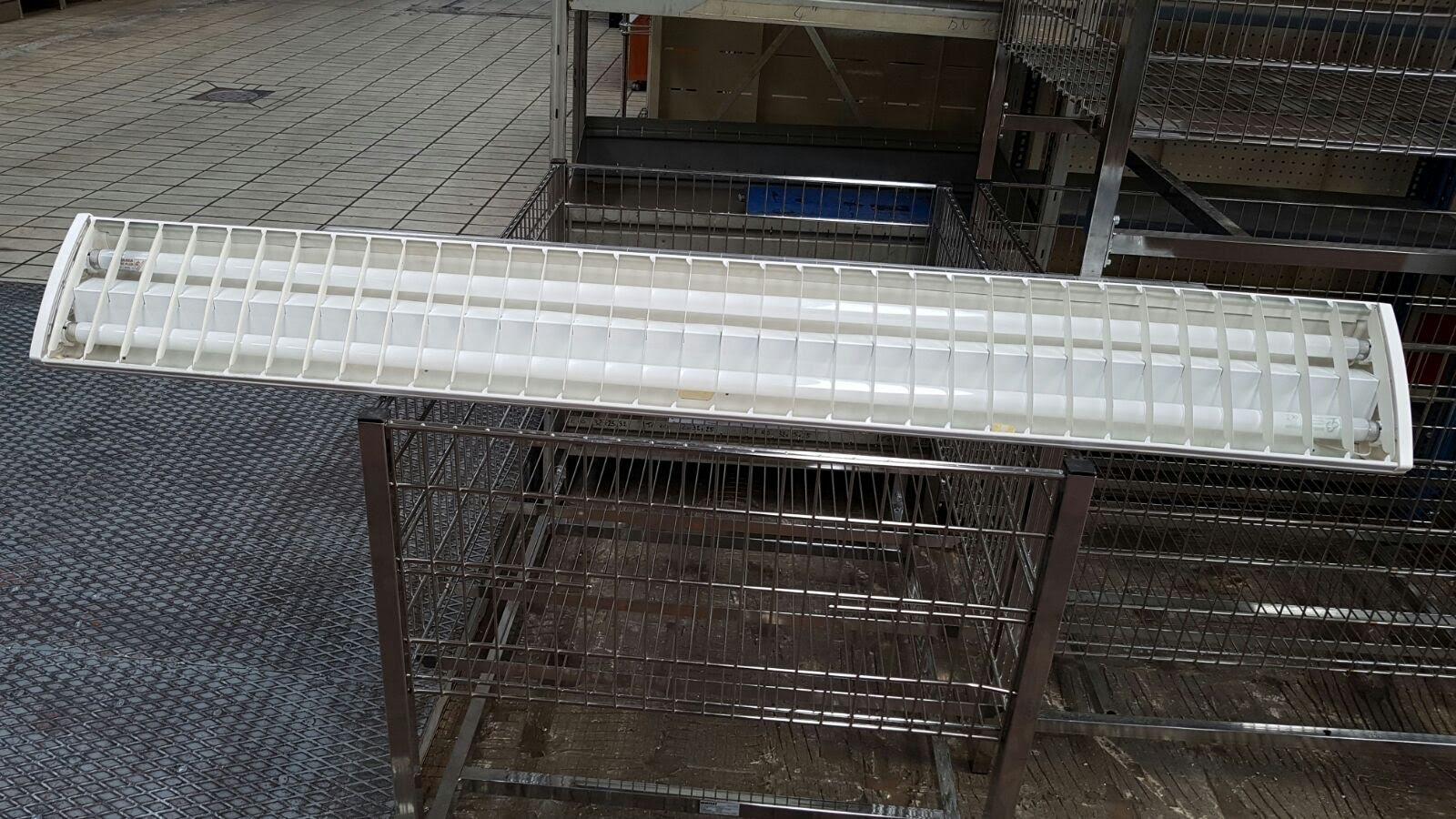 Plafoniere Industriali Usate : Plafoniere neon tubo scaffali usati bologna compravendita